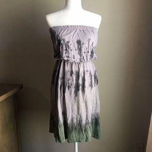 Dresses & Skirts - Boho Strapless tie dye dress S